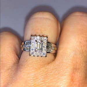 18Kt. White Gold Diamond Engagement Ring